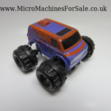 Chevrolet 70s van super 4x4 (Brown and Purple)