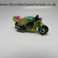 Honda CBR400 (Yellow, number 9)